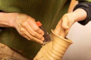 Formgivning af kande med skinne